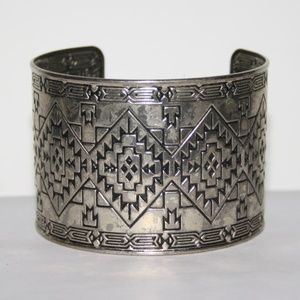 Vintage silver tone 2 inch wide cuff bracelet